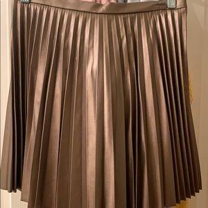 Victoria Secret faux leather pleated skirt sz 6